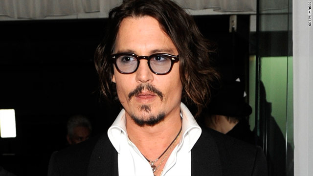 Johnny Depp drops by England school in 'Pirates' costume
