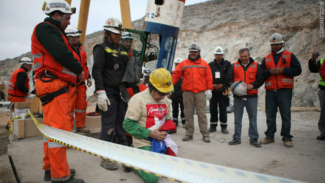 The story behind the Chilean miners&#039; Jesus T-Shirts