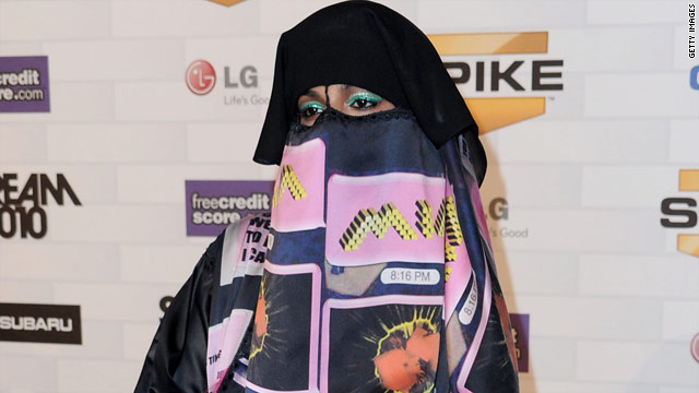 M.I.A. opts to wear burqa to Scream Awards