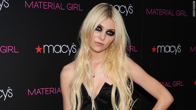Taylor Momsen flashes party-goers