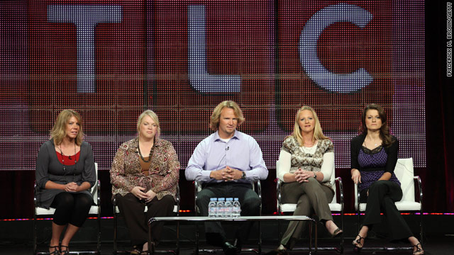 'Sister Wives' stars sue over Utah anti-polygamy law