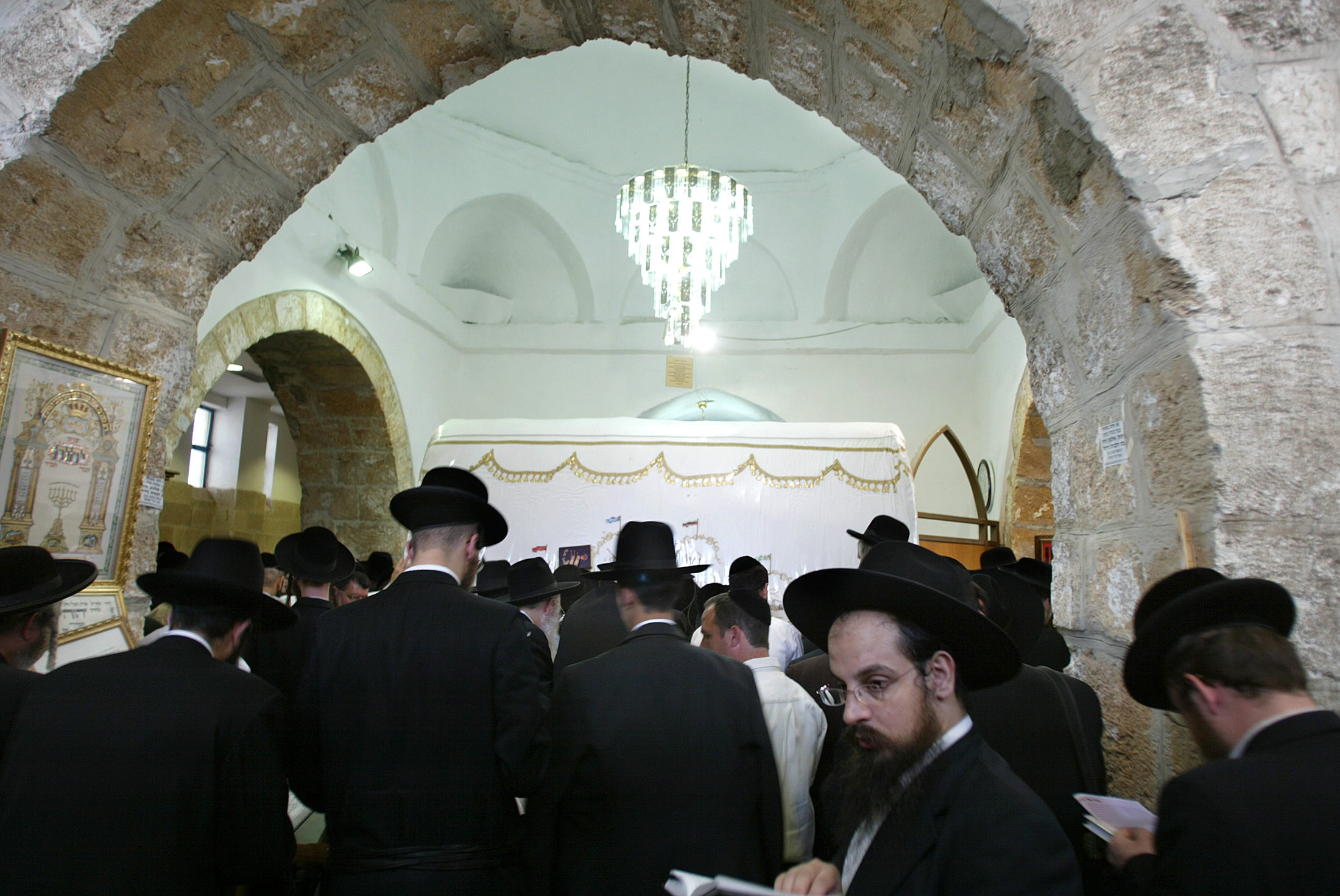 Ultra-Orthodox Jews praying at Rachel's tomb (Getty Images).