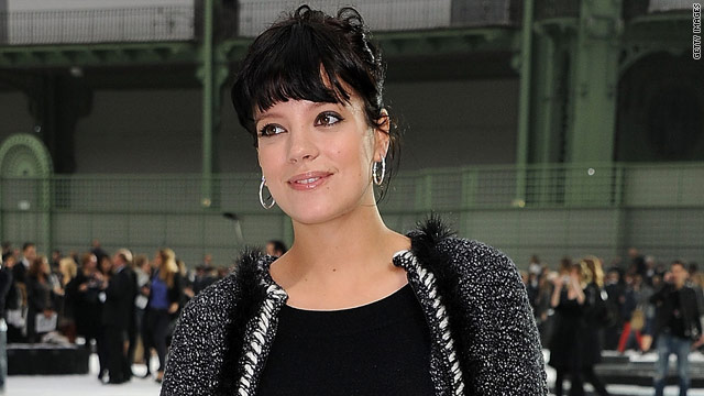 Singer Lily Allen suffers miscarriage