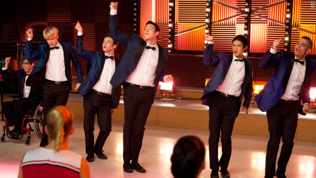 Wedding news and a &#039;Teenage Dream&#039; on &#039;Glee&#039;