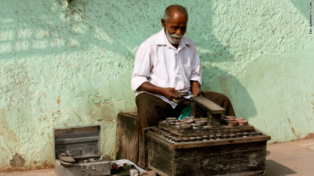 Images of India: Shoeshine