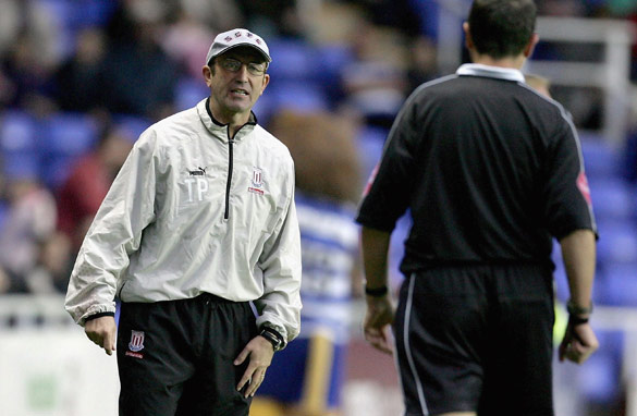 Stoke manager Tony Pulis has proposed a shake-up of the refereeing system in England. (Getty Images)
