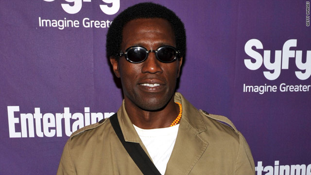 Wesley Snipes ordered to jail on tax charges
