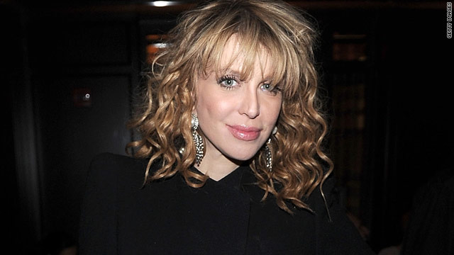 Courtney Love's back to tweeting saucy pics