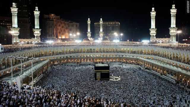 Muslims offer mixed views on Hamas, Hezbollah, reject al Qaeda