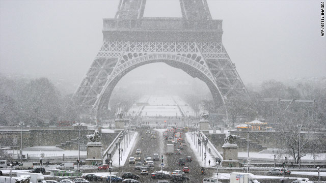 Wintry weather disrupts travel in Paris region