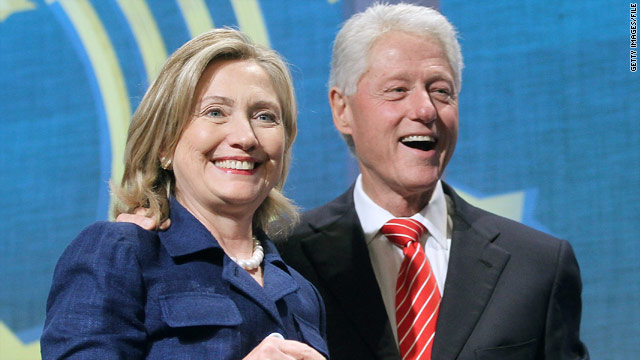 Bill Clinton offers Big Apple prize to pay Hillary&#039;s campaign debt
