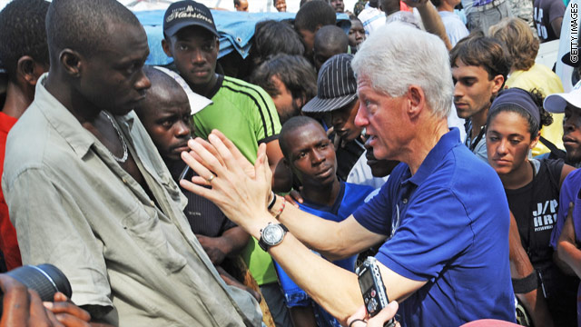 Clinton announces Haiti trip
