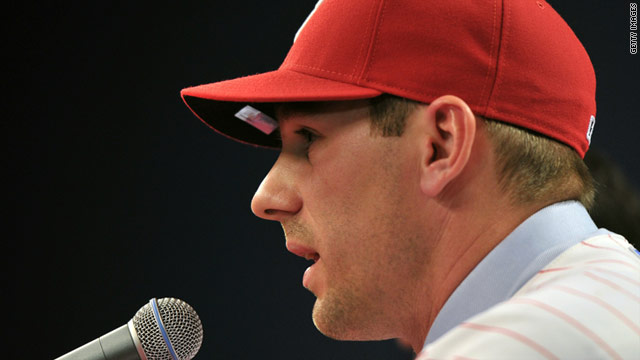 Writer vows to suit up for spring training after Phils sign Cliff Lee