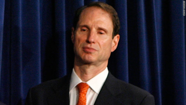 Wyden to undergo surgery, may miss votes