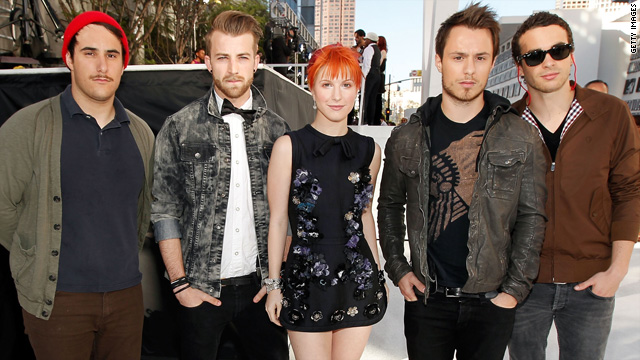 Two band members leave Paramore