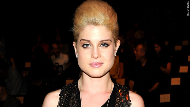 Kelly Osbourne: Miley's not a bad influence