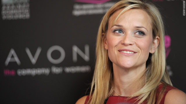Reese Witherspoon can't stand looking at her own photos