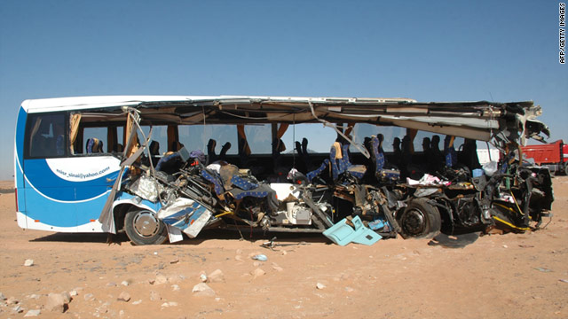 8 American tourists killed in Egypt bus crash