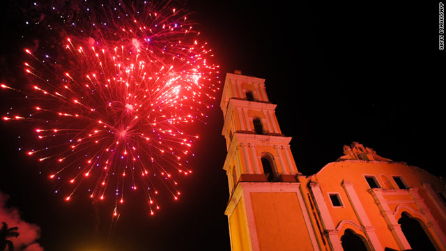 Skyrockets At Night Spark Holiday Delight Cnn Com