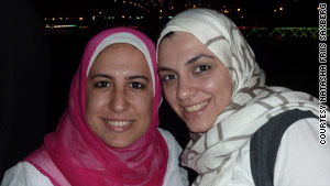 Zeinab Samir (L) and Yasmine El-Mehairy