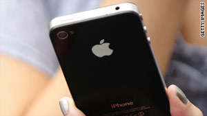 Some Apple iPhone users' alarms failed to activate properly for a third consecutive day.