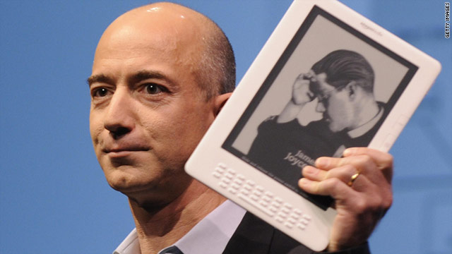 Amazon.com CEO Jeff Bezos unveils the Kindle DX in May 2009.