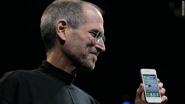 Apple CEO Steve Jobs has acknowledged the difficullty his company encountered in making a white iPhone 4.