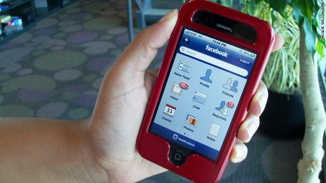 El sitio móvil de Facebook, más popular que sus aplicaciones