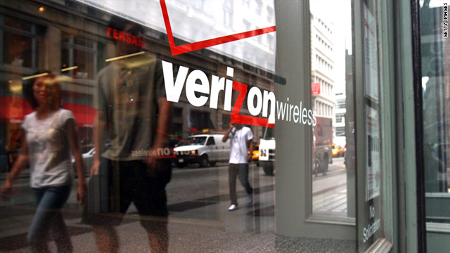 Among major carriers that offer cell-phone contracts, Verizon Wireless earned the highest ranking in the customer-care survey.