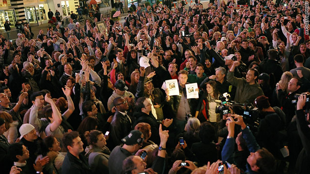 Crowds gather in New York early Monday to celebrate Osama bin Laden's death; many first heard about the news online.