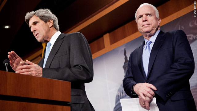 "U.S. Sens. John Kerry, left, and John McCain introduced a measure that would create a ""privacy bill of rights."""