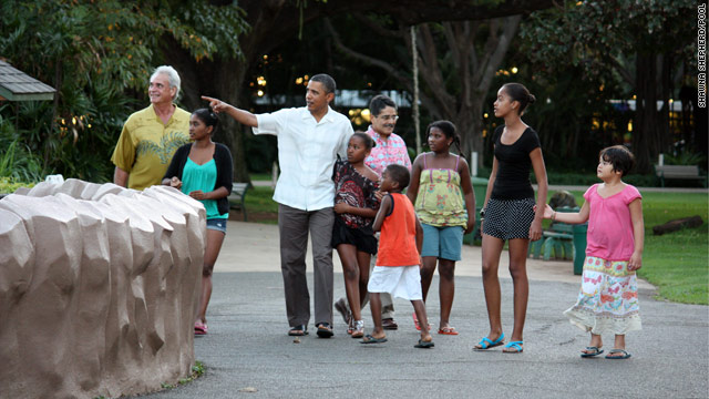 POTUS and daughters visit Honolulu zoo