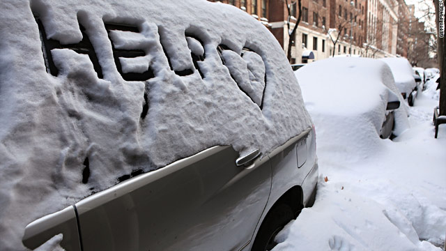 On the Radar: N.Y.&#039;s snow issue, Ivory Coast crisis, RNC debate, Favre retiring?