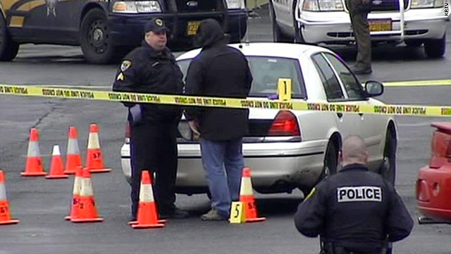 Oregon police officer killed in shooting
