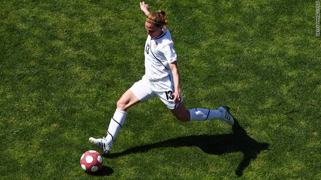 Kristine Lilly, hero of '99 World Cup, retires
