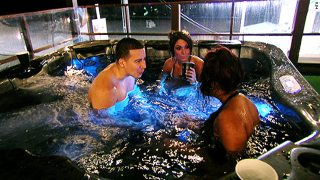 'Jersey Shore' season premiere a 'blast in a glass'