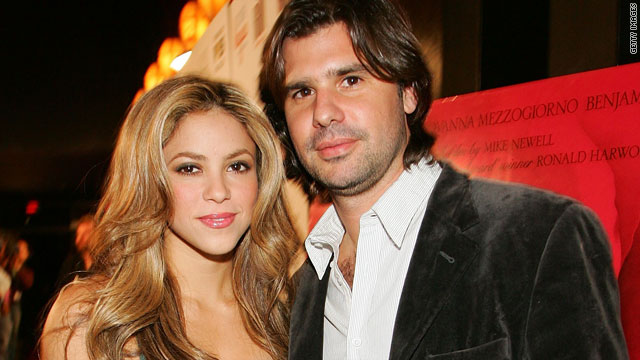 Shakira splits from boyfriend of 11 years
