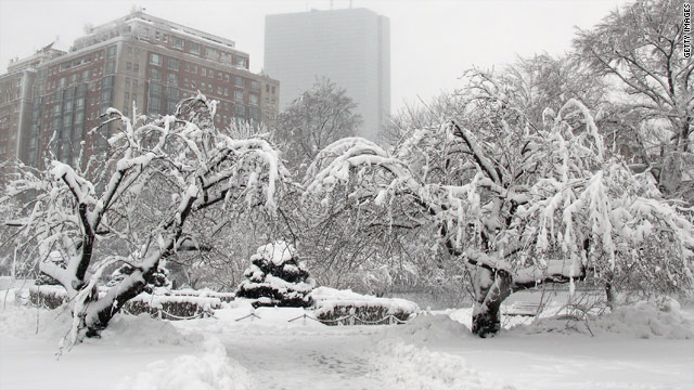 Boston lifts snow emergency as New England digs out