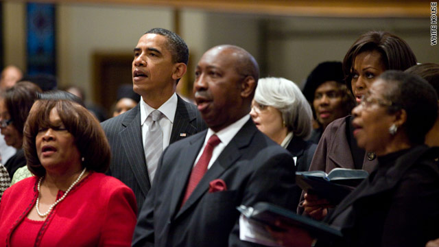 Photo: Obamas attend church service