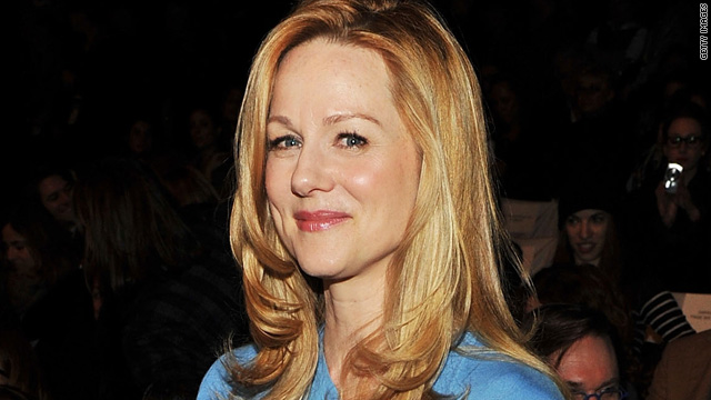 Laura Linney misses Globes due to father's death