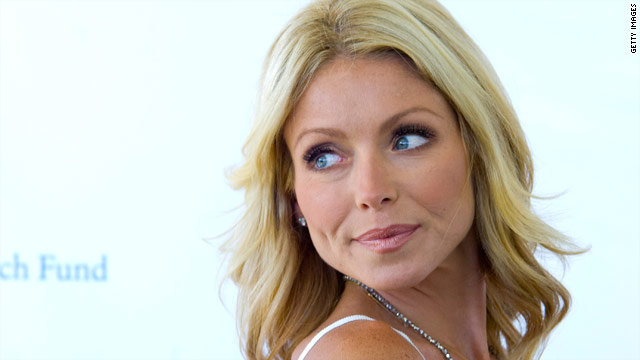 Kelly Ripa reacts to Regis Philbin's retirement