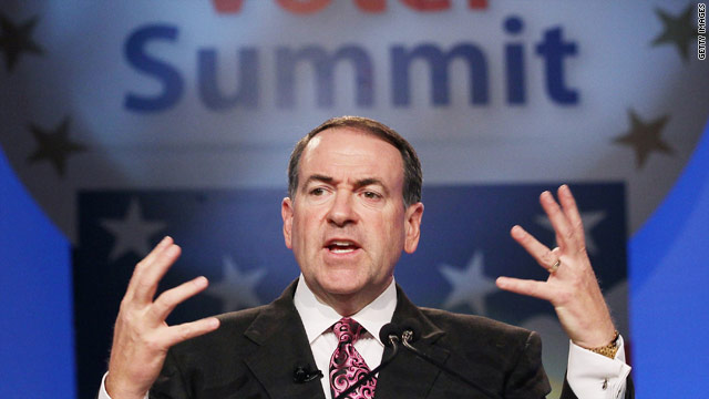 Huckabee's book tour lavishes attention on Iowa, South Carolina