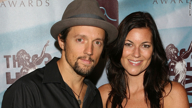 Jason Mraz: No wedding till gay marriage is legal
