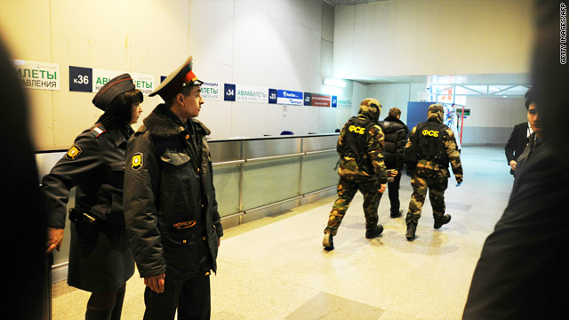Witnesses recall mayhem after blast at Moscow airport