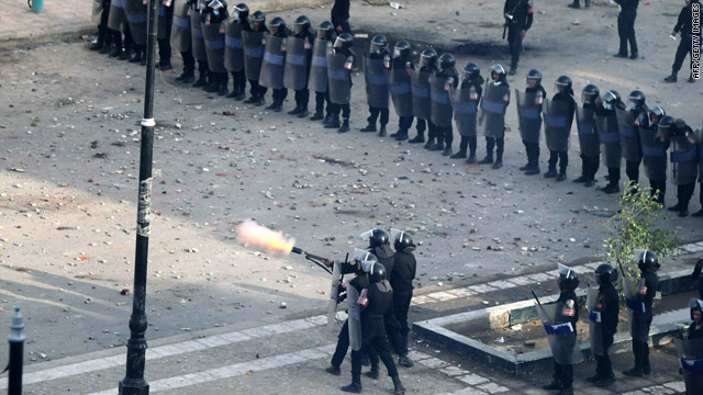 ElBaradei back home as Egyptians brace for Friday protests