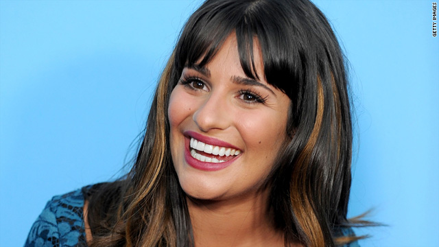 Lea Michele to sing at Super Bowl