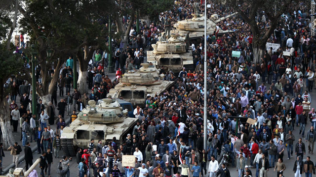 Egypt unrest: Mubarak at military center, Al Jazeera slams Egyptian government
