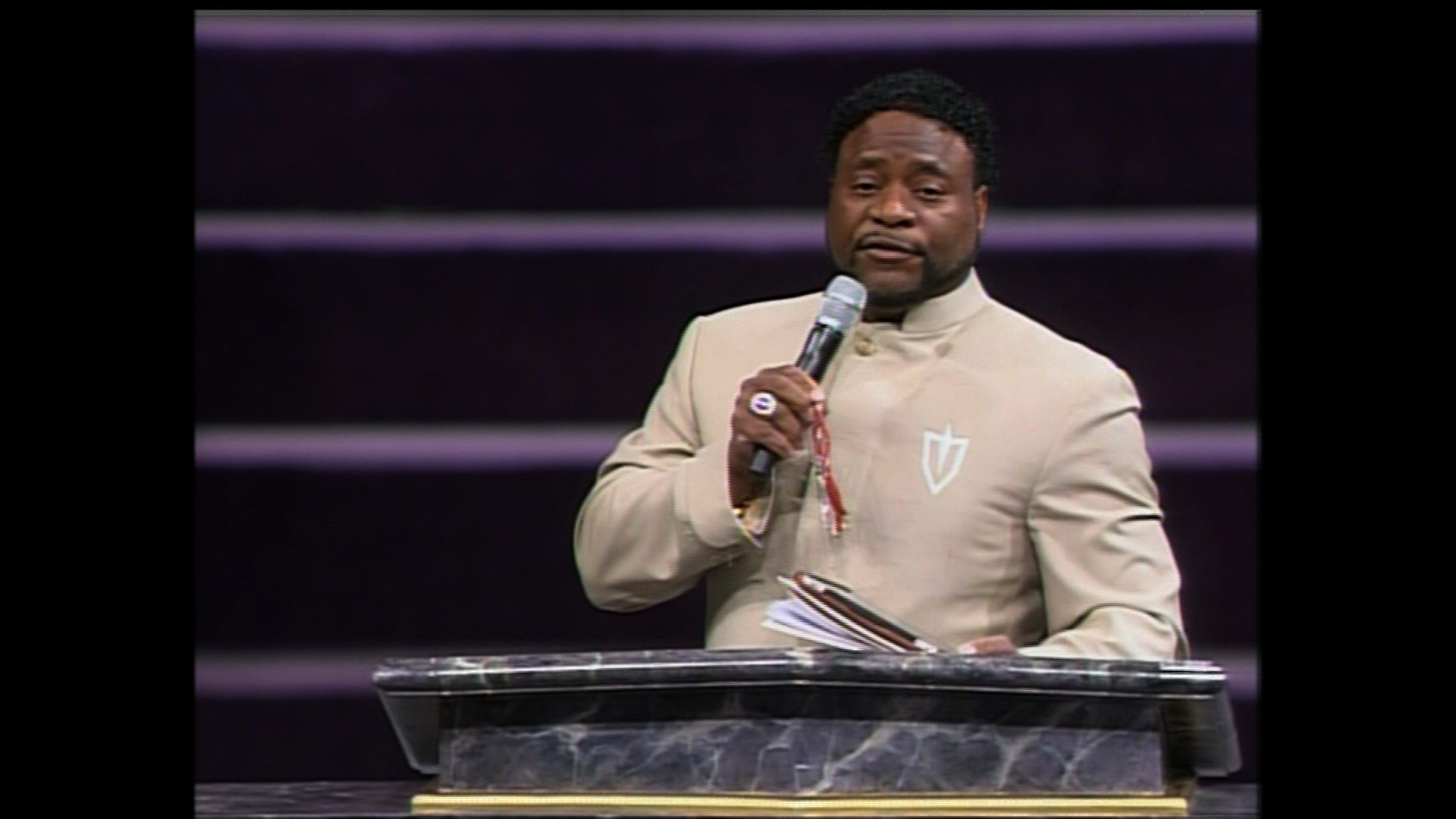 Eddie Long, investor clash over church money