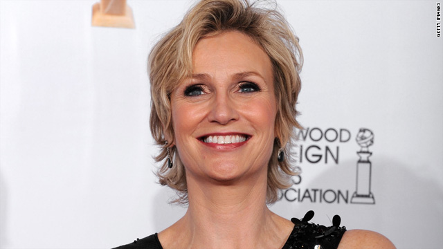 'Glee' star Jane Lynch to pen memoir