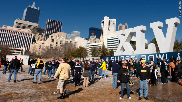 Weary Dallas enjoys super sunshine on eve of Super Bowl